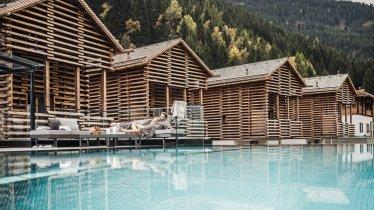 Infinity-Pool vom Stadldorf Bergwiesenglück in See, © Stadldorf Bergwiesenglück