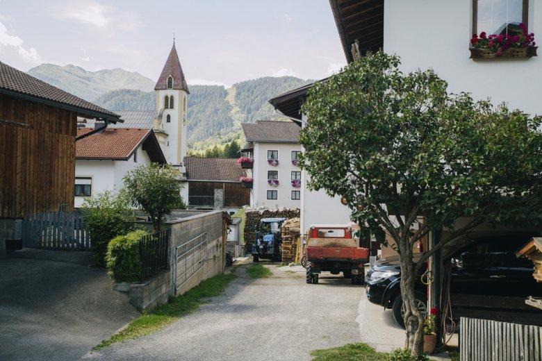 Grins: In der Provinz im Tiroler Oberland.