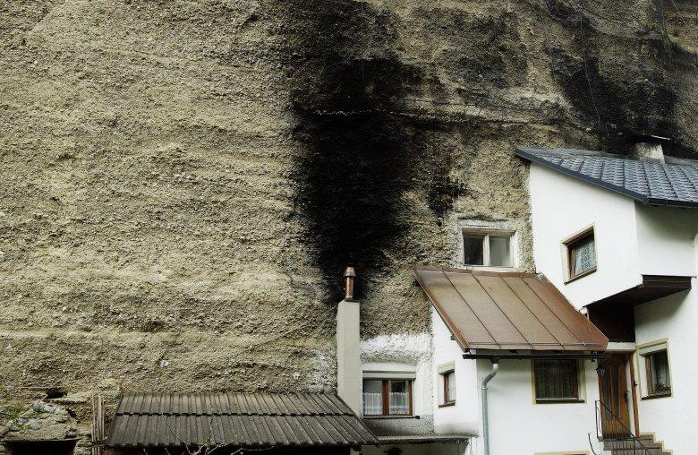 "Halbe Häuser im ""Imster Bergl"" (Foto: Tirol Werbung/Bernhard Aichner)            , © Tirol Werbung/Bernhard Aichner"