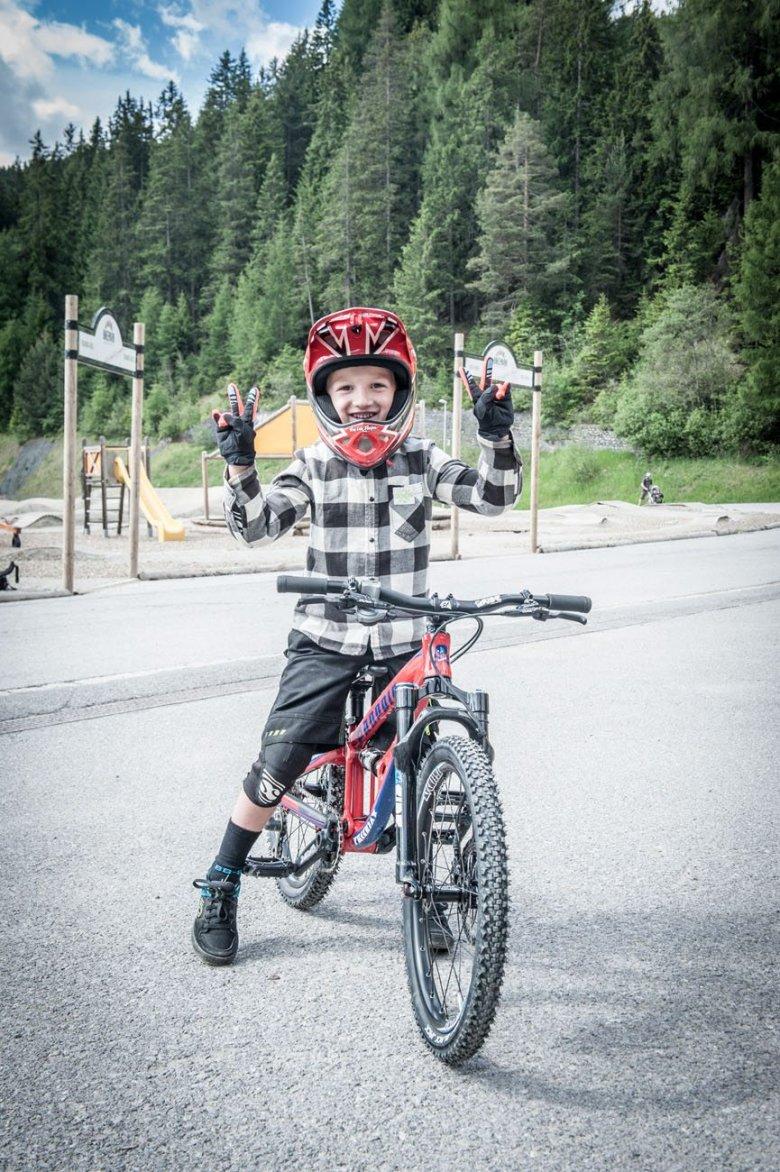 Paulis erster Ritt am Downhill-Bike.