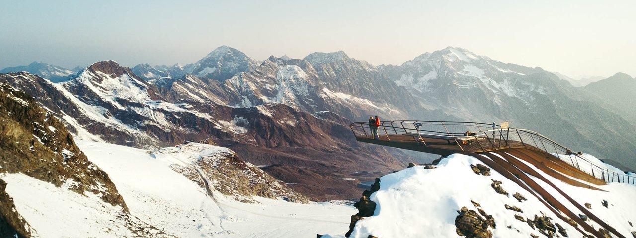 """Aussichtsplattform """"Top of Tyrol"""" , © Stubaier Gletscher / Andre Schönherr"""