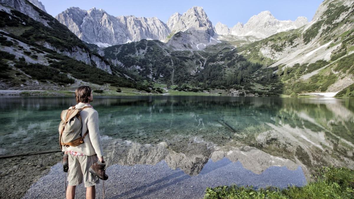 Sie halten Fotos vom Seebensee und vom etwas höher gelegenen Drachensee für beschönigend bearbeitet? Probieren Sie es zu Fuß oder mit dem Mountainbike aus: Dieses völlig unwirkliche Türkisblau mitten im Hochgebirge gibt es wirklich!, © Tiroler Zugspitz Arena