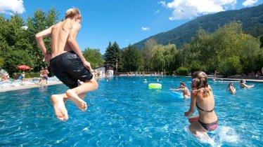 Schwimmbad Perjen in Landeck, © TirolWest/Albin Niederstrasser
