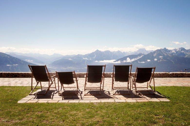 Die letzten Sonnenstrahlen des Sommers lassen sich gut auf der Seegrube über Innsbruck genießen.