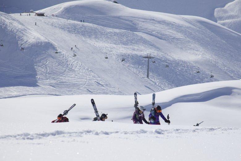 Zum Saisonstart geht es in Tirols Wintersportorten üblicherweise heiß her.