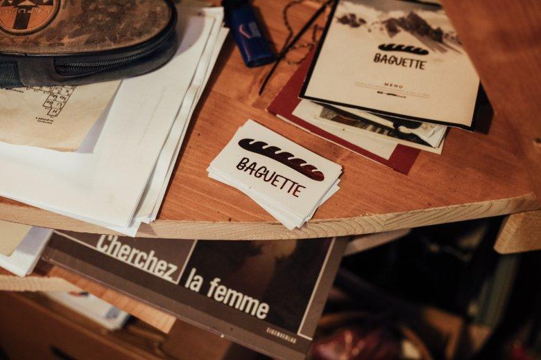 """Gekonntes Spiel mit Klischees: """"Baguette Boards"""" nennt der Franzose Benoît seine handgemachten Produkte."""