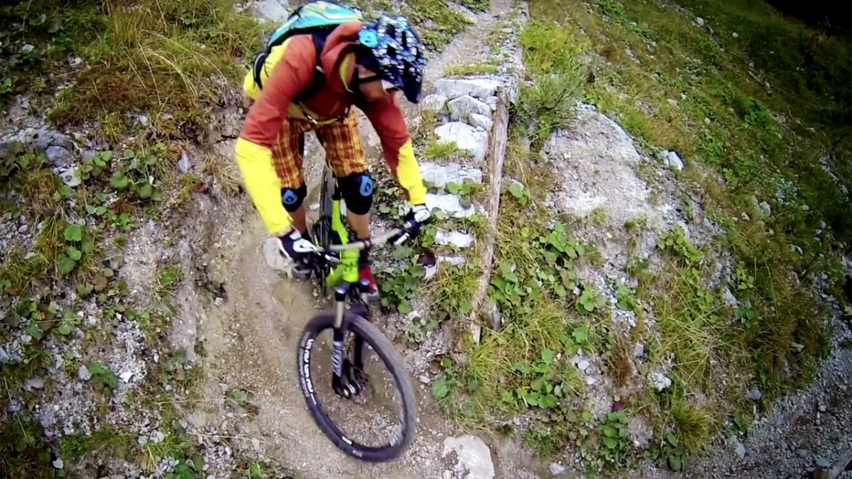 MTB Fahrtechnik Training (8): Mountainbike Spitzkehren