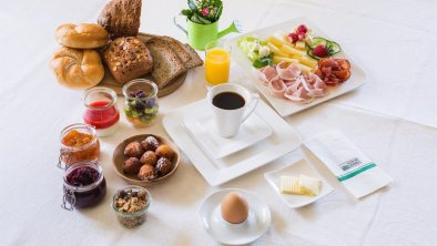 Guten Morgen Osttirol Frühstück am Kristemoarhof