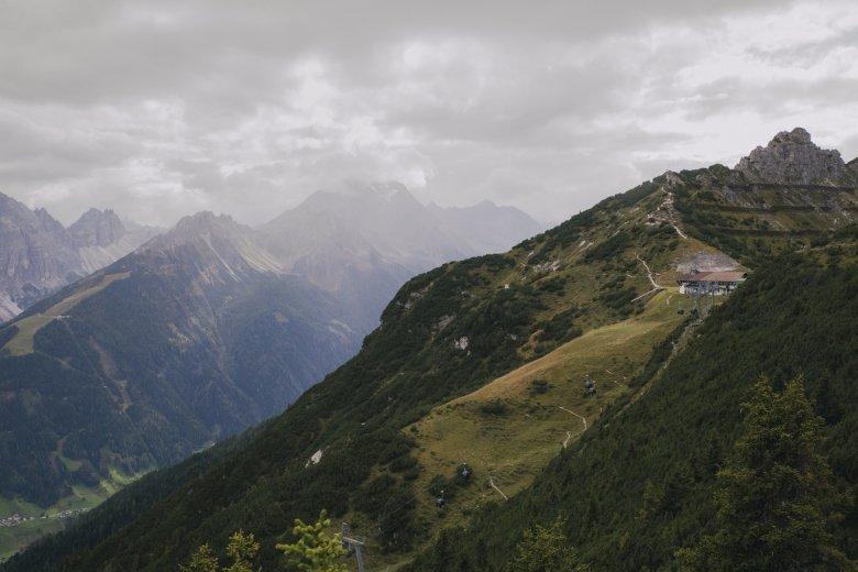"""""""In Zukunft müssen wir gemeinsam daran arbeiten, nachhaltiger zu werden"""", sagt Bergführerin Martina Mrak."""