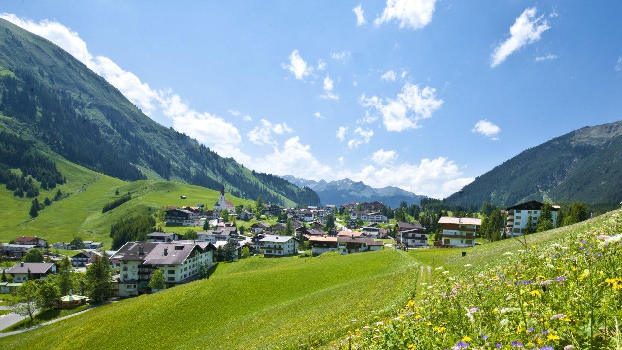 Berwang im Sommer, © Tiroler Zugspitz Arena/Albin Niederstrasser