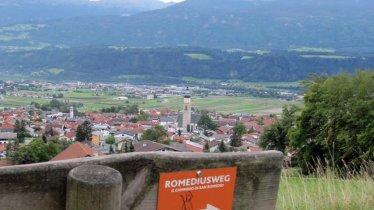 Romedius Pilgerweg, Startpunkt in Thaur, © Staud