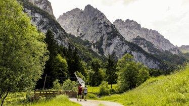 Auf der zweiten Etappe im Kaiserbachtal, © Sportalpen