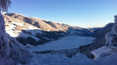 Morgendlicher Blick ins Tal