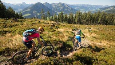 Trailbiken in den Kitzbüheler Alpen, © Eye5/Carlos Blanchard