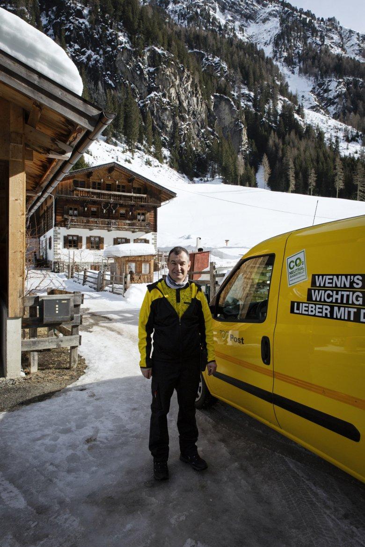 Harald Gstir arbeitet seit 27 Jahren bei der Post.
