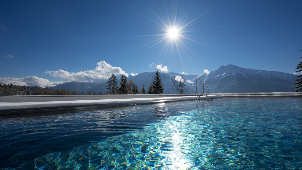 Infinity-Außenpool des Nidum Casual Luxury Hotel in Mösern bei Seefeld, © Nidum Casual Luxury Hotel