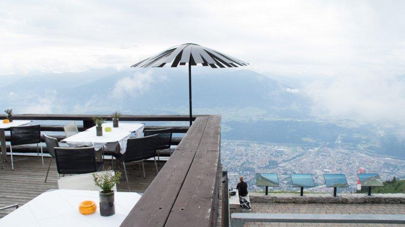 Terrasse auf der Seegrube, © Tirol Werbung/Valentin Margreiter