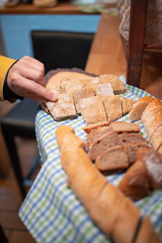 Typische Brotsorten gibt es in einer der ältesten Bäckereien Innsbrucks.