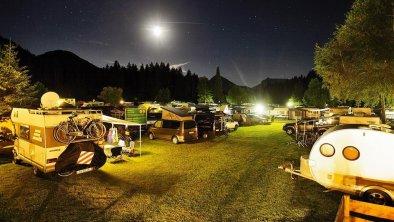 Euro Camp bei Nacht