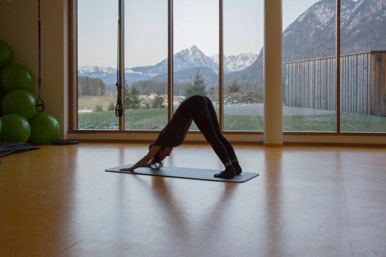 Yoga mit Bergblick.