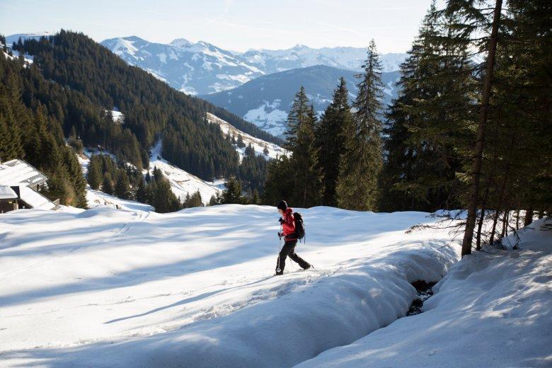 Die liebliche Wildschönau ist eine gut geeignete Region für Schneeschuhwanderungen.