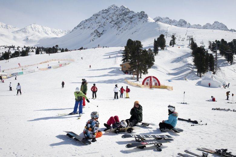 Skifahren mit Kindern im Skigebiet Nauders.