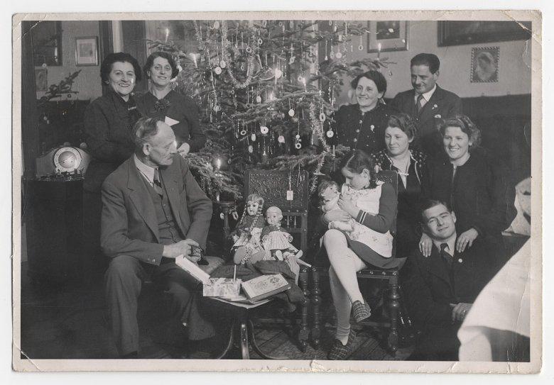Der Heilige Abend im Kreise der Familie. Innsbruck, 1938. Bildquelle: Ferdinandeum Innsbruck