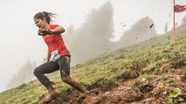 Es kann schmutzig werden beim Descent Race Kitzbühel, © Davod Hofer