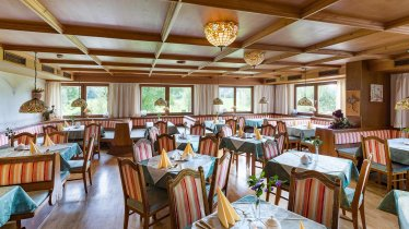 Hotel_Neuwirt_wenger_Strasse_21_Kirchdorf_Stube