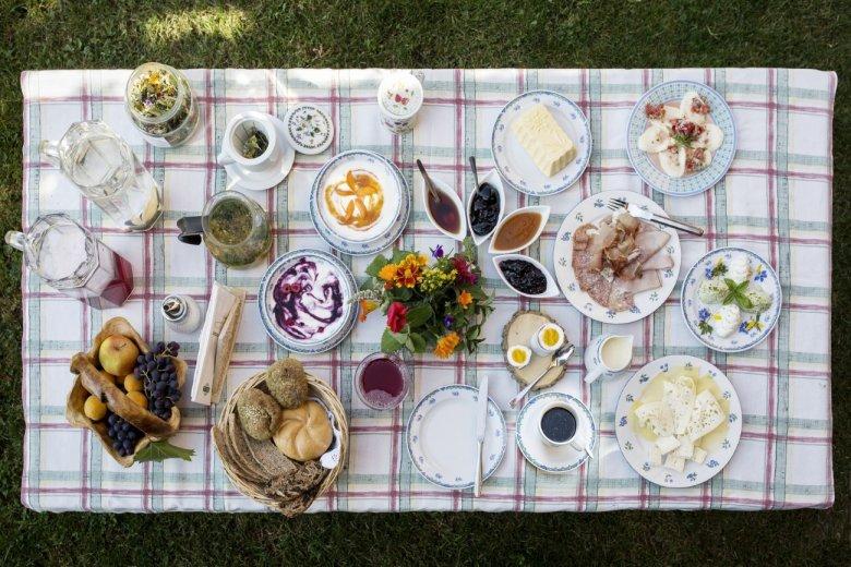So muss Frühstück am Berg! (Foto: Lisa Hörterer, Tirol Werbung)