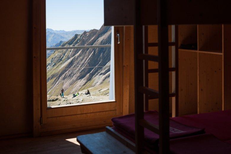 Oesterreich Austria, Tirol Tyrol, Osttirol, Nationalpark Hohe Tauern, Glocknergruppe, Grossglockner, Stuedl Huette; Berghuette; alpine chalet cottage, mountain hut 08/2016