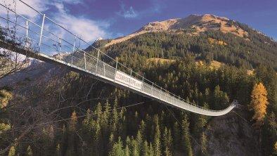 Holzgau Hängebrücke Herbst