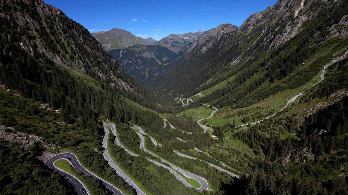 Der Pass verbindet das Tiroler Paznaun mit dem Vorarlberger Montafon, auch die Schweiz ist nur wenige Kilometer entfernt. Das Grenzland, einst ein Paradies für Schmuggler, bietet heute Wanderern und Skifahrern schier unendliche Möglichkeiten., © Achim Mende