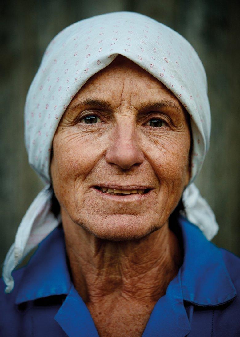 Sie verbrachte ihr Leben auf Bauernhöfen, Spiel und Arbeit vermischten sich in ihrer Kindheit. Genossen hat sie das immer.