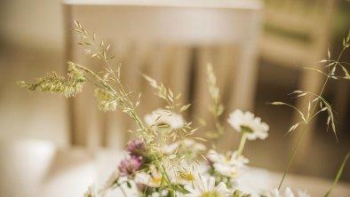Wiesenblumen - Natur vor der Haustüre, © Mood