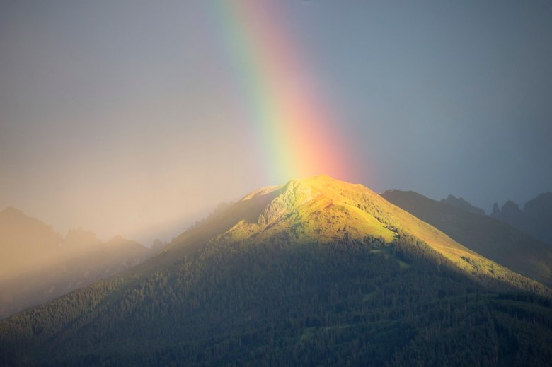 Regenbogen über dem Axamer Kögele.