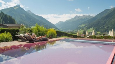 Infinity Pool Hotel Erika