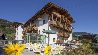 Liegewiese Hotel Tirolerhof Wildschönau, © Landhotel Tirolerhof