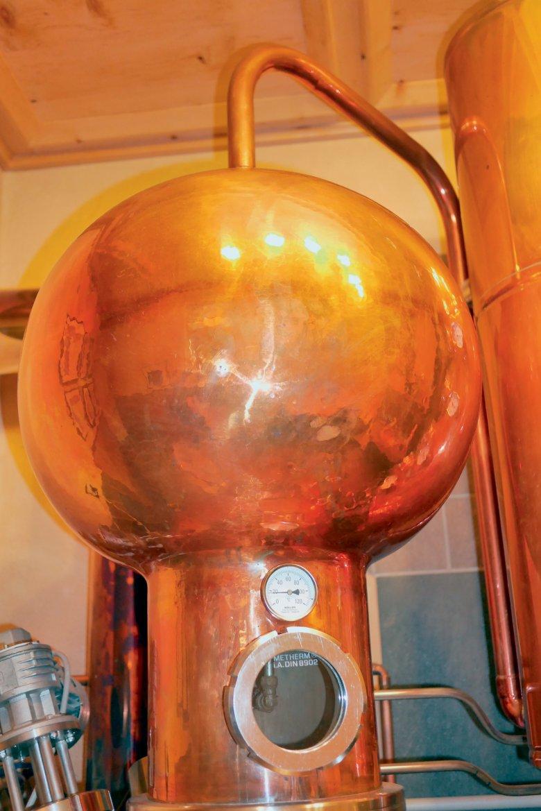 Der Stoff, aus dem die Träume sind: Traditionell werden Brennblasen aus Kupfer gefertigt: Die Hitze verteilt sich gut, die Maische wird gleichmäßig aufgeheizt.