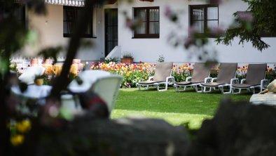 Schweitzer Hotelansicht Garten