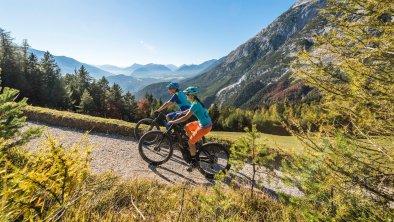 E-Biken in Mösern, © Olympiaregion Seefeld - R.Kiaulehn