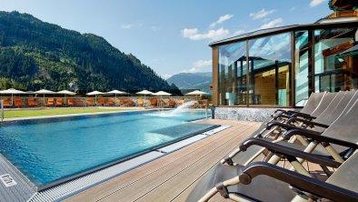 Pool für Ferien-Heim Gäste im 4 Stern Partnerhotel
