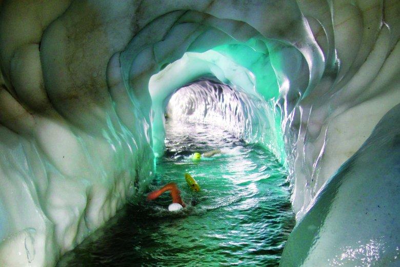 Nichts für Warmduscher*innen: ein Bad im Eissee (Foto: Natursport Tirol)           , © Natursport Tirol