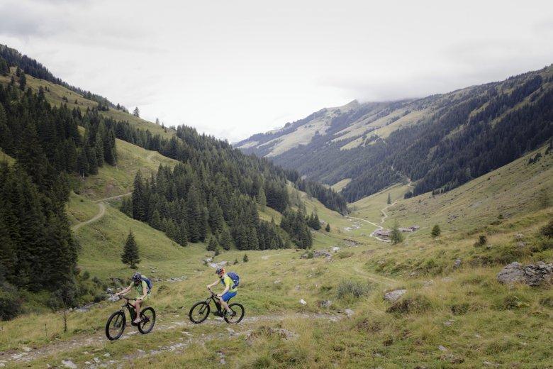Fahrtechniktrainings sind beliebt und erhöhen die Sicherheit am Berg. Foto: Tirol Werbung / Jarisch Manfred