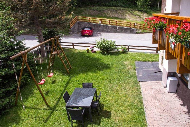 Garten des Hauses Alpenkönig in Nauders. Foto: Haus Alpenkönig
