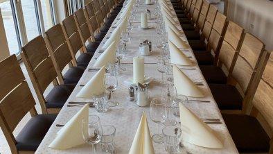 Wintergarten gedeckter Tisch 3