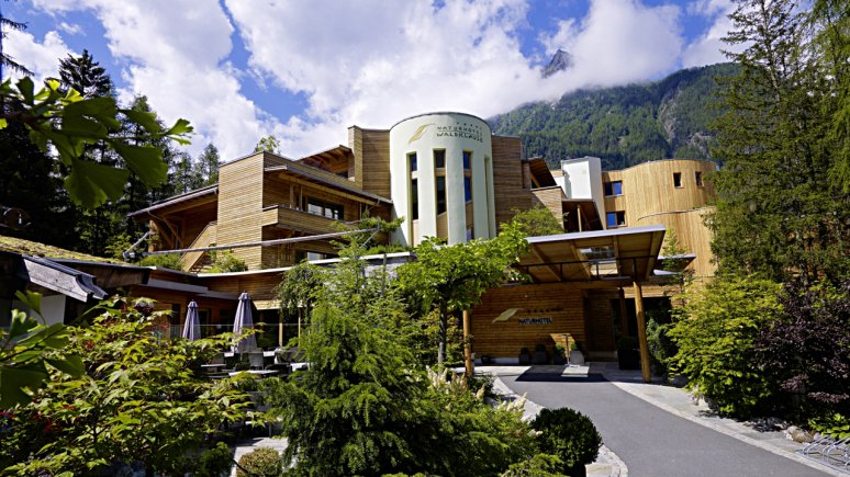 Naturhotel Waldklause, Außenansicht, © Naturhotel Waldklause Längenfeld