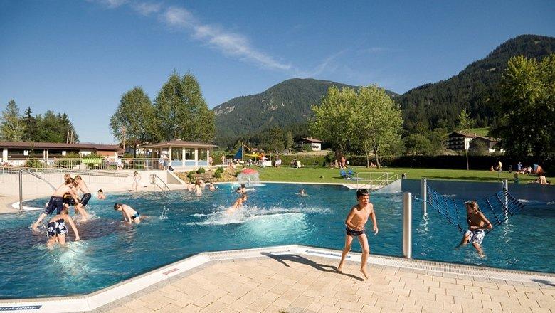 Freizeitanlage Brixen im Thale Schwimmbad, © Kitzbüheler Alpen - Brixental