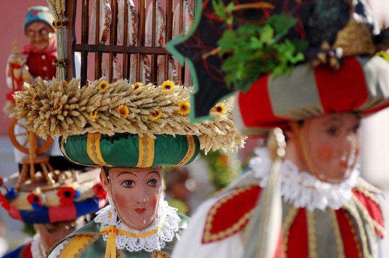 Alle fünf Jahre findet das als immaterielles Kulturerbe der UNESCO bekannte Telfer Schleicherlaufen statt.