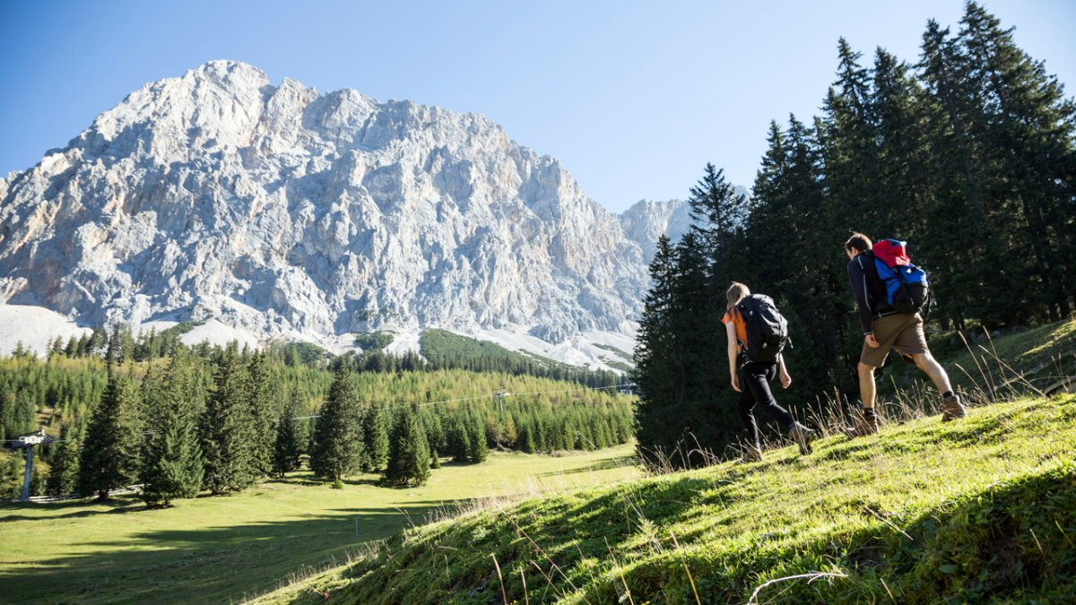 Adlerweg: Durch das Gaistal Richtung Zugspitze, © Tirol Werbung